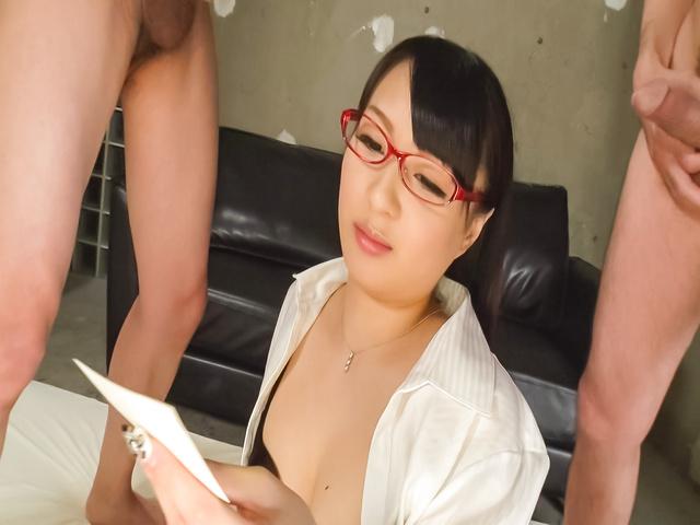 桜井心菜 - セクシー熟女~連続顔射ぶっかけ! - Picture 10