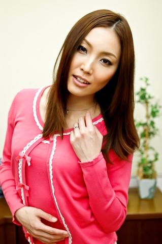Nozomi Mashiro - Gang banged Mashiro Nozomi in white stockings has her cum covered - Picture 2