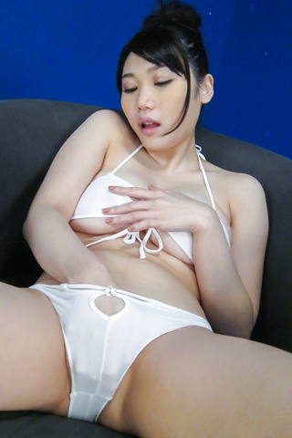 Honami Uehara - Asian dildos to pelaseHonami Uehara's naughty desires - Picture 8