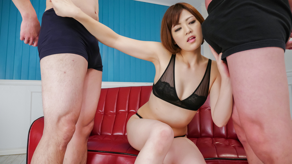 Phim Sex Superb Japan blow job by alluring Tomoka Sakurai