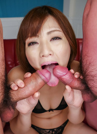 Tomoka Sakurai gets huge quirt from vibrator while sucking cocks