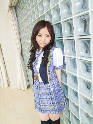 Ayane Okura - Hot asian schoolgirl blow job porn session - Picture 2