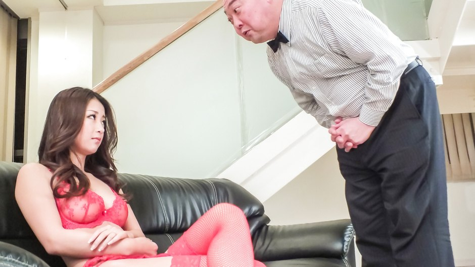 Phim Sex Sexy lingerie makes Satomi Suzuki a target for asian cumshots