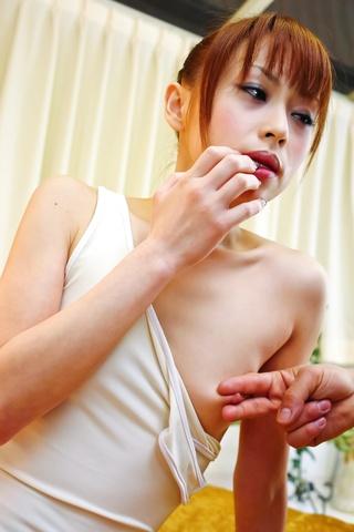 Miina Yoshihara - Miina 葭原白色穿上的泳装让公鸡去岩石硬 - 图片 3