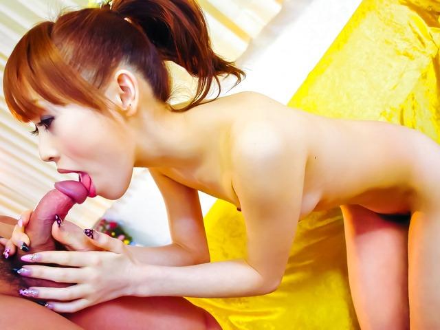Miina Yoshihara - Miina 葭原白色穿上的泳装让公鸡去岩石硬 - 图片 8