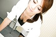 Maki Hojo - Amateur Maki Hojo first time porn at the office  - Picture 3