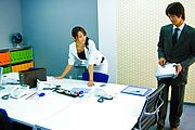 Maki Hojo - Amateur Maki Hojo first time porn at the office  - Picture 4