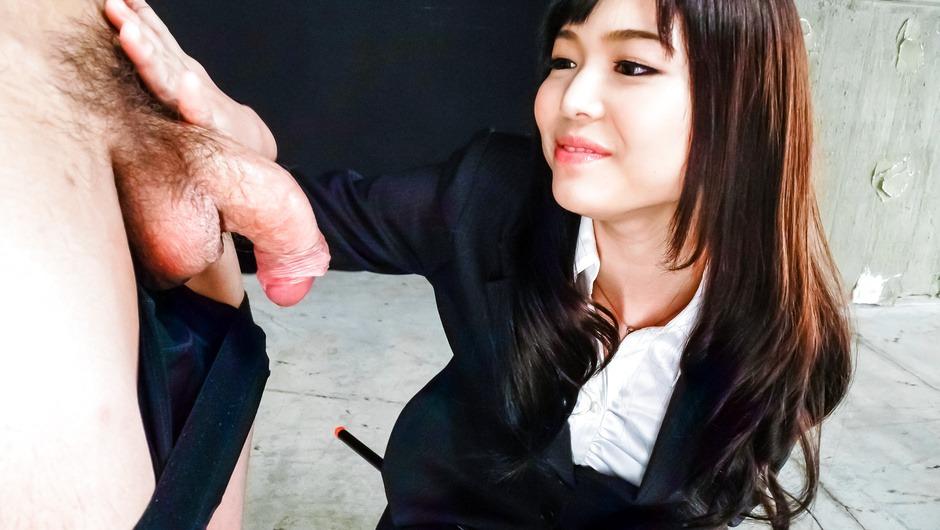 Megumi Shino licks dicks and enjoys threesome sex