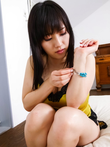 Azusa Nagasawa - Azusa Nagasawa's mouth blasted with her lover's man-naise - Picture 2