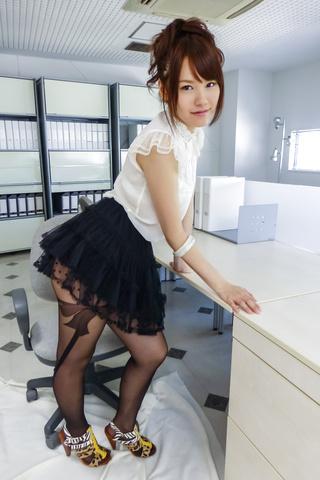 Yui Uehara - 小唯上原在精湛的日本色情独奏 - 图片 10