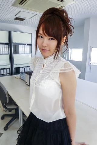 上原結衣 - 元芸能人上原結衣~誘惑ソフトコア - Picture 12