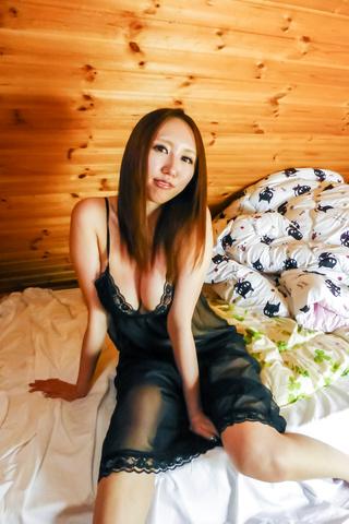 Ruka Ichinose - 大山雀 Ruka 一之濑亚洲使用振动器在热展 - 图片 5