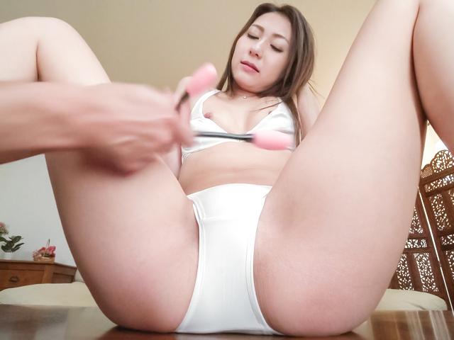加藤麻耶 - 敏感ちっぱい~生ハメAV女優加藤麻耶 - Picture 1