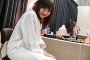 Momoka Rin - Momoka 凛给亚洲的口交,吞下他的爵士 - 图片 3