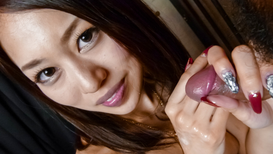 Phim Sex An Yabuki on her knees to give him an asian blowjob