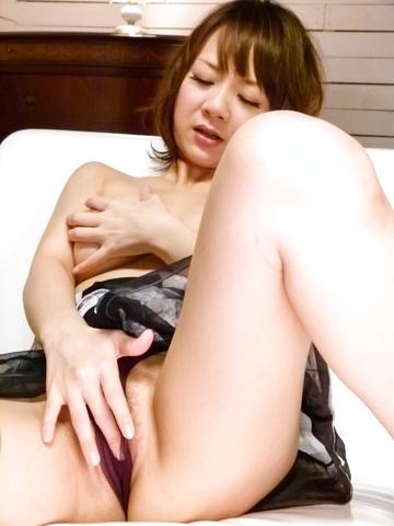 Arisa Araki - Arisa Araki oiled up and fucked with an asian dildo - Picture 6