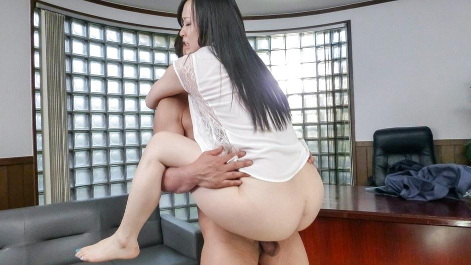 Yuka Wakatsuki filled up in creampie asian porn