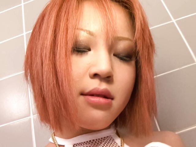 Sara - 爆乳HカップSARAのバスルームオナニー - Picture 9