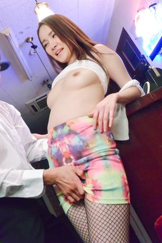 Misuzu Tachibana - 丰满的日本深在她紧的阴户性交 - 图片 4