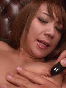 Ryo Akanishi - Hot japanese blowjobs from Ryo Akanishi after a toy fucking - Screenshot 1