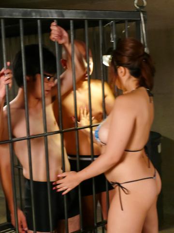 Neiro Suzuka - 内罗铃鹿爱给一个日本口交和乳头他妈的 - 图片 2