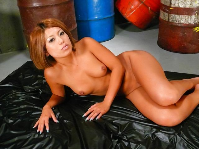 Aiki Kurosawa - 爱树黑泽明 ' s 油性 3some 与日本口交和他妈的 - 图片 4