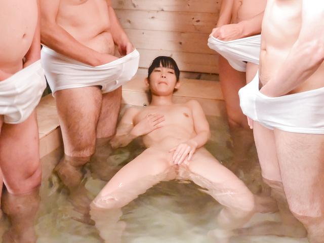 Yui Kasugano - 亚洲口交沿瘦宝贝 Yui Kasugano - 图片 12