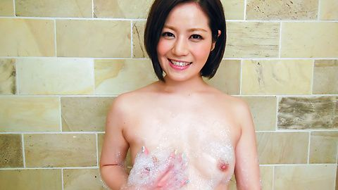 Minami Asano plays with her pussy in the shower