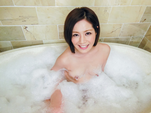 Minami Asano - Minami Asano plays with her pussy in the shower  - Picture 5