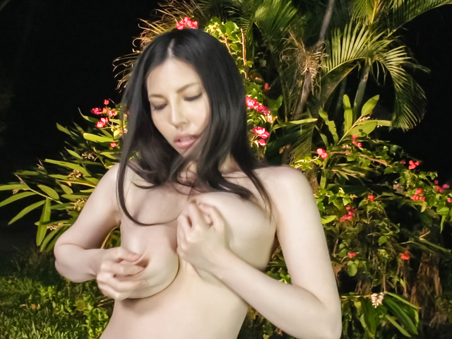 Sofia Takigawa - Asian amateur video with brunetteSofia Takigawa - Picture 8