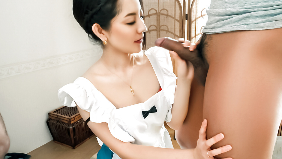 Phim Sex Anna Mihashi fucked and made to provide Asian blowjob