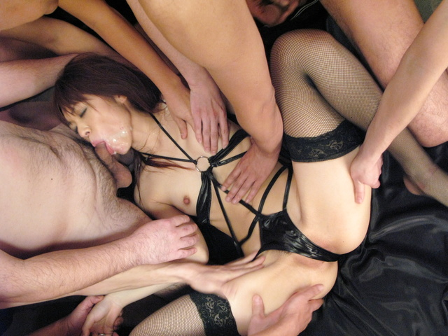 Mao Saito - Mao Saito gangbang by plenty ends up covered with cum - Picture 6