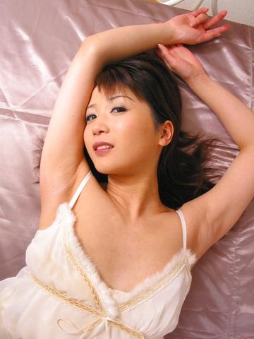 Kaori Amai - Hot Amai Kaori with dark nipples gets anal - Picture 2