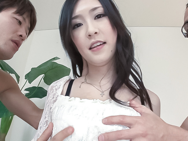 Kotone Amamiya - Asian creampie ends babe's filthy threesome - Picture 10
