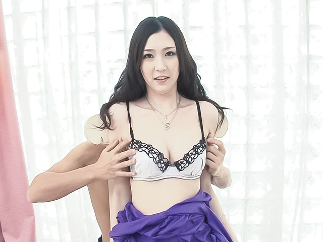 Kotone Amamiya - Asian creampie ends babe's filthy threesome - Picture 2