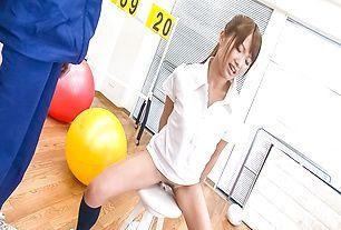 Suzu Minamoto is aroused with vibrator