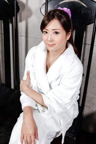 緒川みずき - ビンタ&フェラ セクシー奥様小川瑞希 - Picture 1