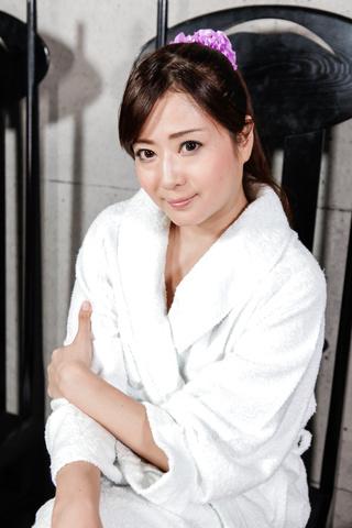緒川みずき - ビンタ&フェラ セクシー奥様小川瑞希 - Picture 2