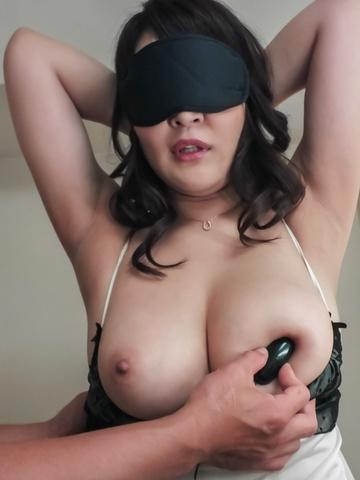 Hinata Komine - Big tits milf enjoying naughty anal masturbation  - Picture 10
