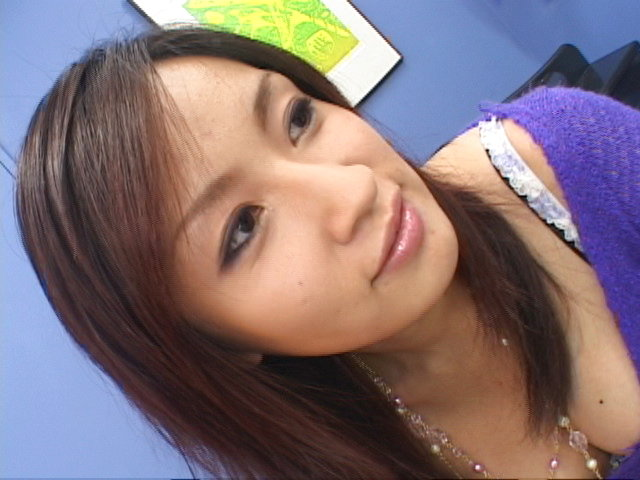 Mecumi - Mecumi cheers up a friend by letting him fuck her hard - Picture 2