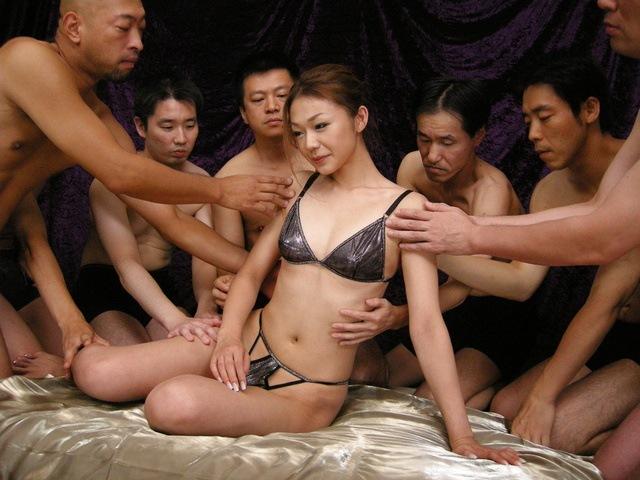 Sakura Hirota - 令人难以置信的爱恋与樱花广田叶她 creampied - 图片 2