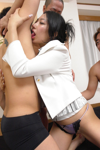 Chris Ozawa - The shaved pussy of Chris Ozawa gets fucked by three guys - Picture 4