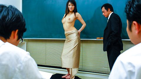 College Life Drawing Class Studies Suzuki Chao and Her Pussy