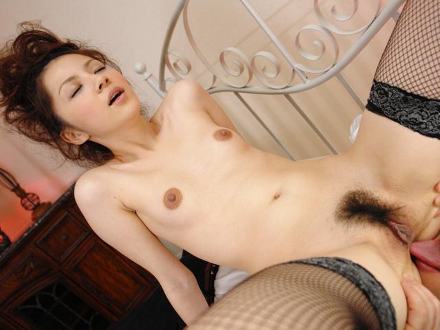 Rika Koizumi - Rina Koizumi in sexy stockings fucking three man with blowjobs - Picture 10