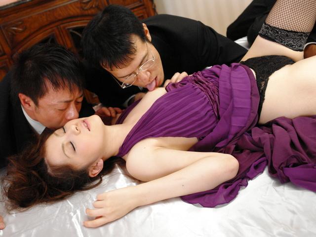 Rika Koizumi - Rina Koizumi in sexy stockings fucking three man with blowjobs - Picture 3