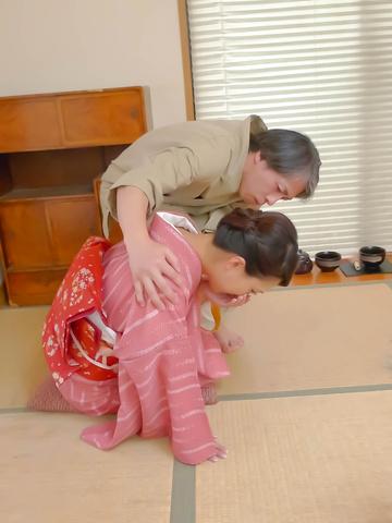 Yayoi Yanagida - Naughty babe Yayoi Yanagida giving head and get boned - Picture 1