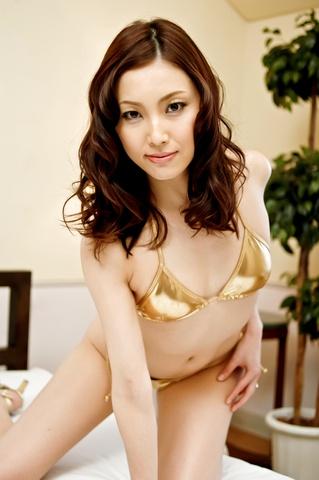 Nozomi Mashiro - Pussy & asshole fun with Mashiro Nozomi double penetrated - Picture 1