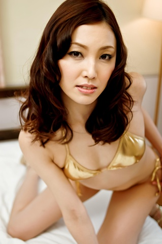 Nozomi Mashiro - Pussy & asshole fun with Mashiro Nozomi double penetrated - Picture 2