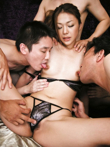 Sakura Hirota - Wild gang go fucking crazy on cum covered Hirota Sakura - Picture 8