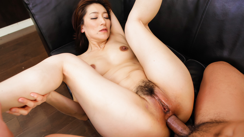 Phim Sex Asian blow job with Marina Matsumoto in threesome